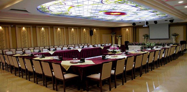 سالن کنفرانس شماره دو هتل بادله ساری